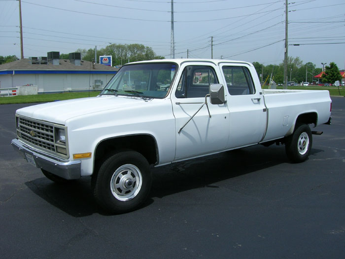 lifted square body chevy crew cab